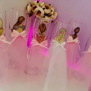 чаши за моминско парти в розово